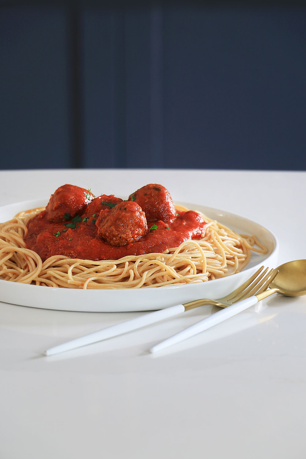Spaghetti with sauce and meatballs